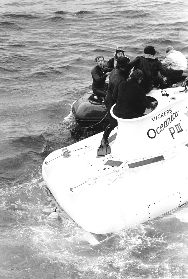 PISCES_RESCUE_-_NAVY_PHOTO_1973